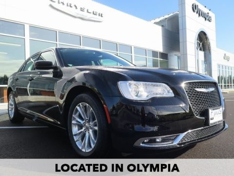 New 2017 Chrysler 300 Limited With Navigation